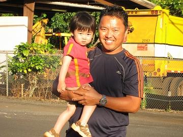 AAハワイツアーズ ガイドのTakashiさんと我が子