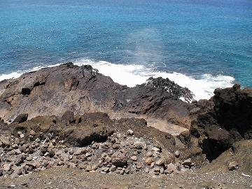 潮吹き岩02