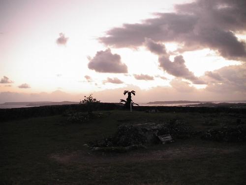 勝連城跡の夜明け